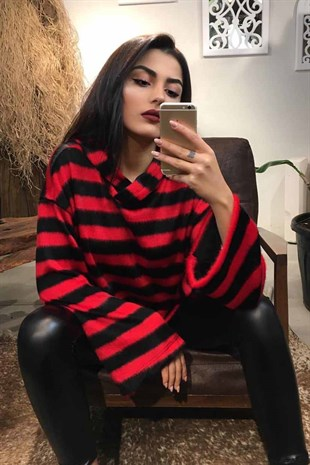 Mad Girls Red-Black Striped Plush Knitwear MG111